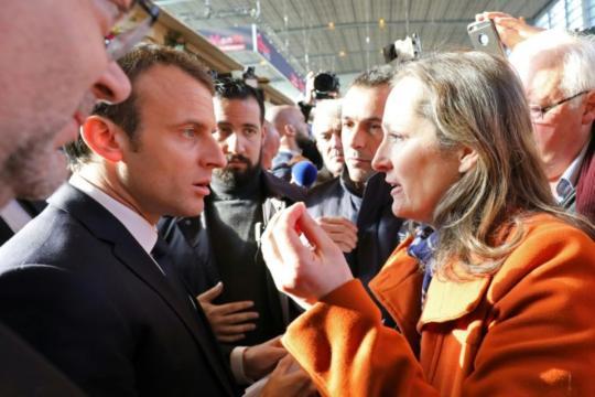 Macron sifflé par des paysans, et interpellé par des pro-vegan au ... - liberation.fr