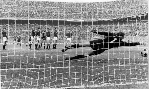 Fantastica punizione di Mario Corso, Cudicini è battuto: Inter-Milan 2-0 del 7 marzo 1971
