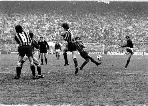 Walter De Vecchi, l'avvocato del Diavolo: doppietta in Inter-Milan 2-2 del 18 marzo 1979