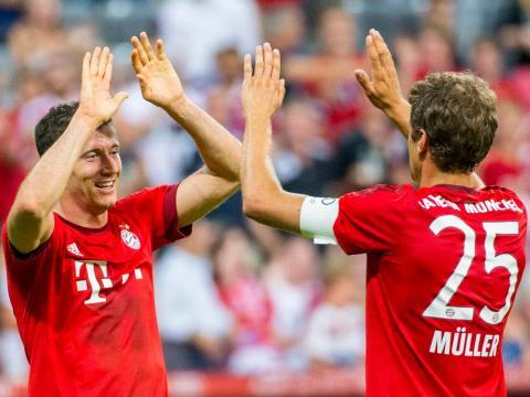 FC Bayern: Robert Lewandowski und Thomas Müller beim Torjubel - Demnächst mit Paul Will