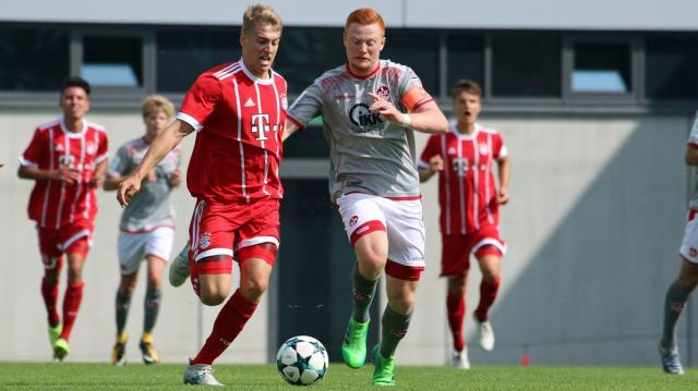 Paul Will im Zweikampf mit seinem neuen Verein FC Bayern München