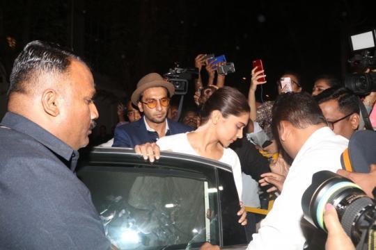 Sridevi's funeral: Deepika Padukone and Ranveer Singh arrive at ... - ibtimes.co.in