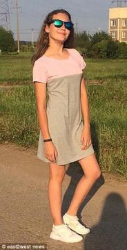 Kseniya tinha somente doze anos