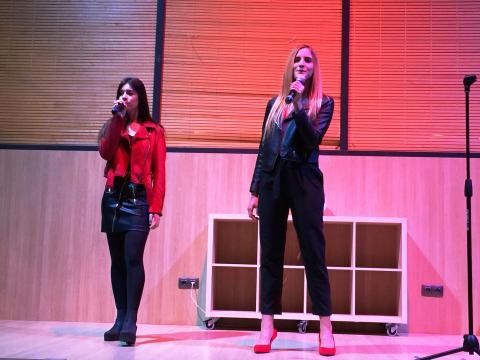 El dueto de María de Paco y Patri Sánchez que inauguró el concierto