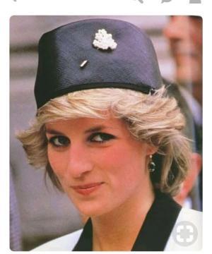 Fez féminin revisité porté par feu Lady Diana(credit : Google)