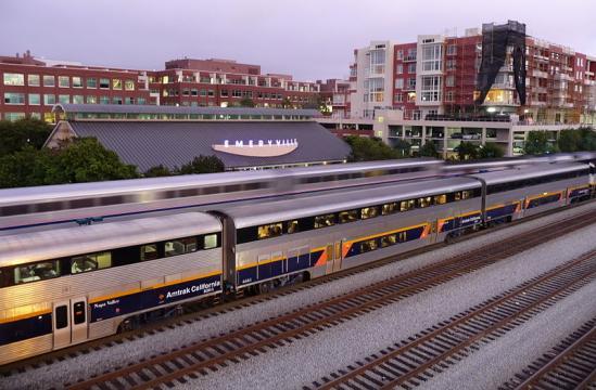 Amtrak Trains (Image credit – Ingrid Taylar, Wikimedia Commons)