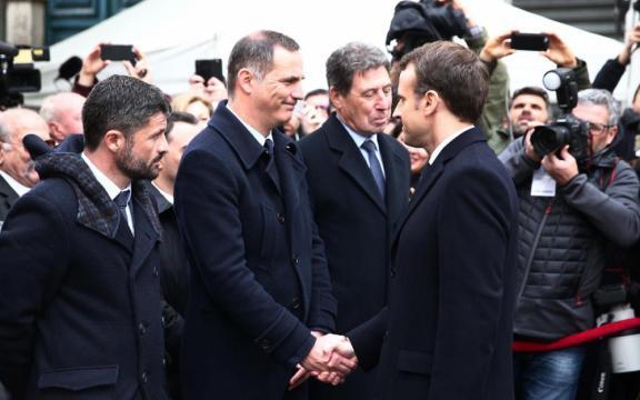 Corse : pendant l'hommage à Erignac, Macron multiplie les messages ... - leparisien.fr