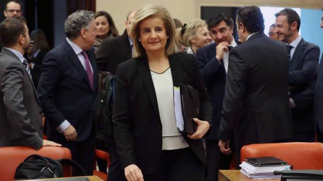 La ministra Fátima Báñez envía cartas a los pensionistas para anunciarles la subida del 0,25%