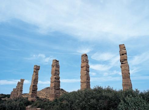 Restos arqueológicos de lo que fue el acueducto de la ciudad romana Los Bañales. Fuente: Imagen sacada de Flickr.