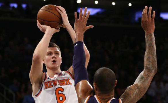 NBA: Porzingis recupera la autoestima de los Knicks   Deportes ... - elpais.com