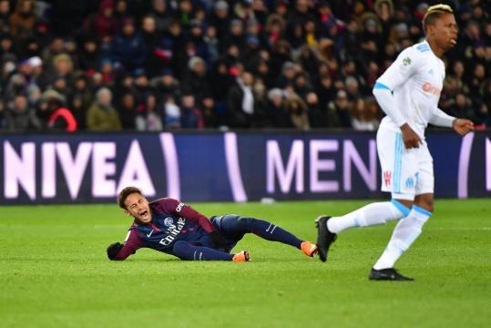 Foot PSG - PSG : Neymar blessé, Riolo tape du poing sur la table ... - foot01.com