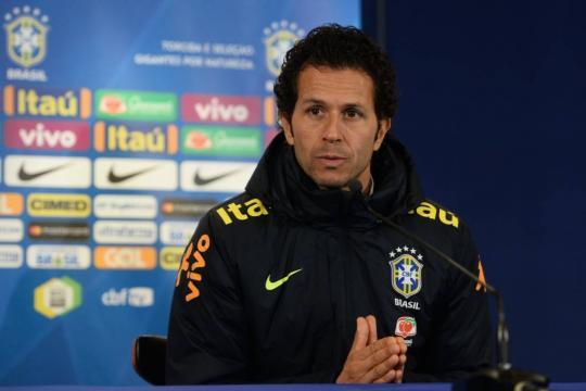Médico da Seleção minimiza chances de Coutinho entrar em campo ... - gazetaesportiva.com