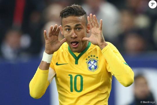 Neymar au match amical France - Brésil au Stade de France à Saint ... - purepeople.com