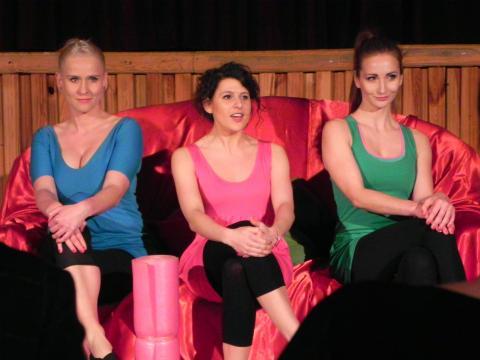 Główne bohaterki 'Dolnych partii': Julia, Ola, Karolina (fot. Krzysztof Krzak)