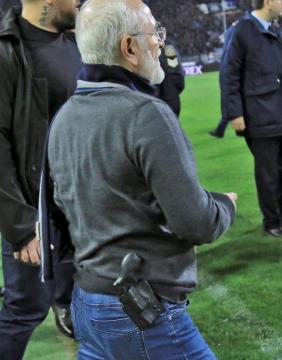 Ivan Savvidis armé pour contester la décision de l'arbitre