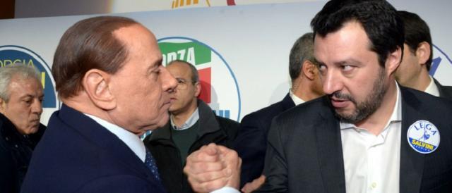 Per il momento Matteo Salvini non rompe l'alleanza con Silvio Berlusconi