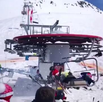 Skiers try to flee from ski lift before hitting pile up of chairs - pahomova_enduro22 | Instagram