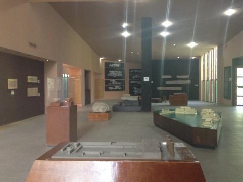 El Museo de sitio se ha conservado presentando algunas maquetas y piezas en vitrina.