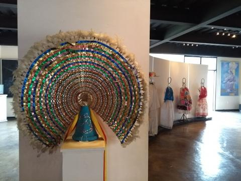 La colorida civilización totonaca ha persistido en sus rituales y la diversidad de su vestido.