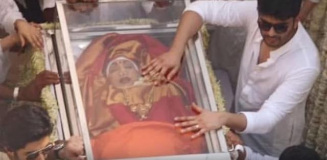Death Body of Sridevi Funeral Video-Arjun Kapoor - Image credit - The Magazine | YouTube