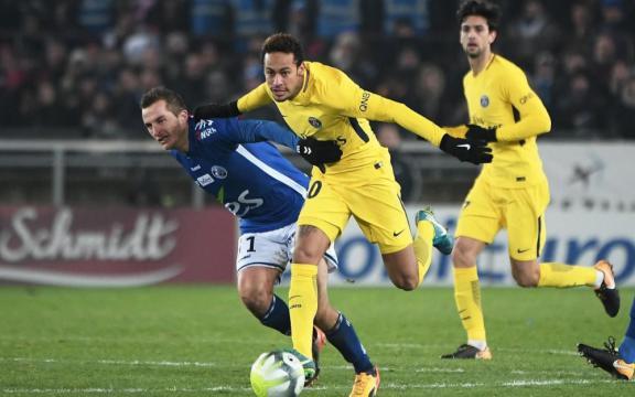 Strasbourg-PSG (2-1) : revivez la première défaite parisienne de ... - leparisien.fr