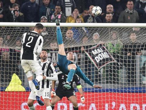 La chilena de Ronaldo vino después de un error tremendo de Chiellini en defensa. Mundo Deportivo.com.