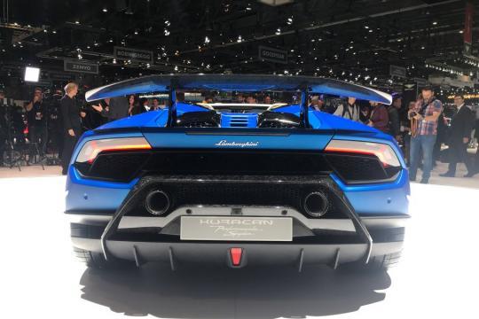 O Huracan Performante Spyder é a ersõa conversível do carro mais rápido da Lamborghini