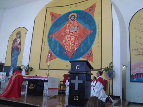 Padre Marcos interpretou Jesus Cristo e Renato Gonçalves encenou Pilatos