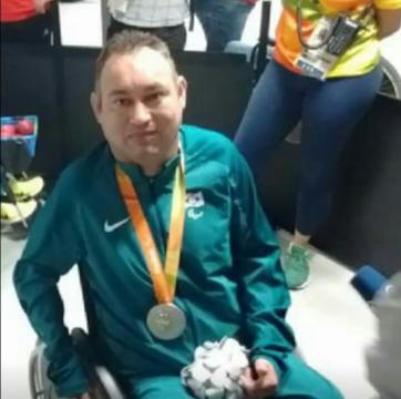 Marcelo dos Santos no Rio 2016 com sua medalha de prata:
