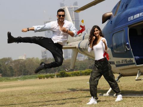 Tiger Shroff and Disha Patani make a grand entry for 'Baaghi 2 ... - indiatimes.com