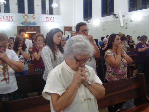 A senhora Maria Tereza Gomes coordena os serviços em todos os setores