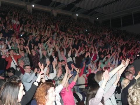 Ostrowiecka publiczność podczas koncertu Kombii (fot. Krzysztof Krzak)