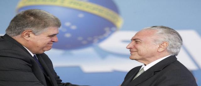 Marun ao lado do presidente Temer