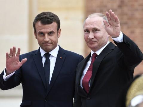 Syrie : Poutine met Macron en garde contre tout