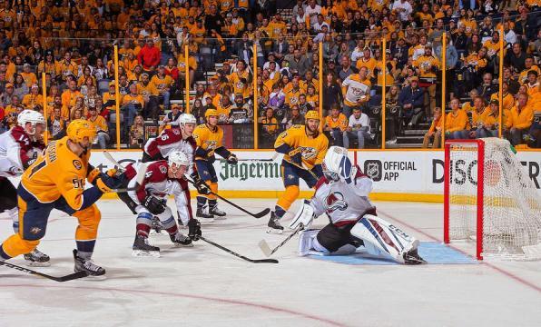 Austin Watson anotó el gol clave en el la victoria de Nashville en el juego 2. NHL.com.