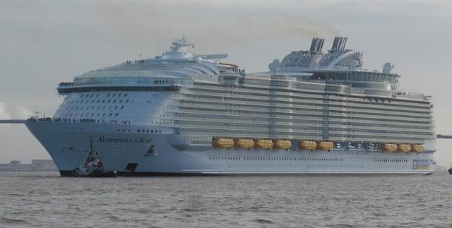 Symphony of the Seas leaving St Nazaire on March 24th, 2018. (Image credit: Darthvadrouw/Wikimedia Commons)