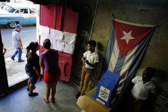 Cuba vota en municipales que inician el
