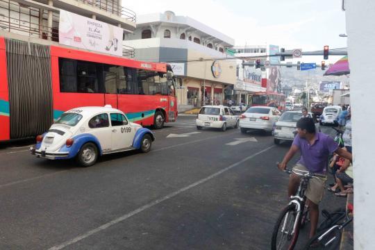 En transporte, la ciudad avanza con la implementación de Aca-bus que llega al zócalo.