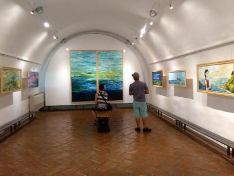 Se privilegia en esta temporada la obra pictórica que revisa el tema del mar.