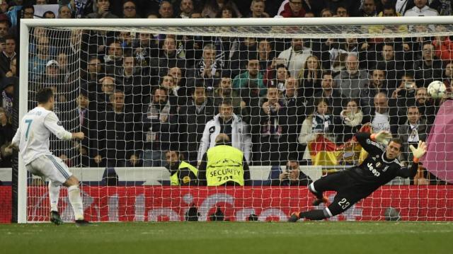VIDEO - Rouge pour Gigi Buffon, penalty de Ronaldo : la 97e minute ... - eurosport.fr