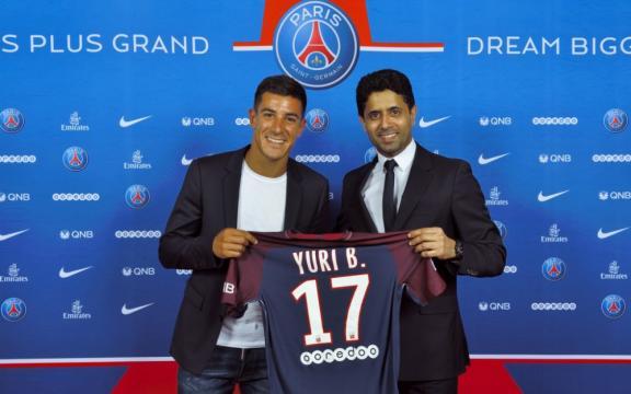 Mercato : le PSG officialise l'arrivée de Yuri Berchiche - Le Parisien - leparisien.fr