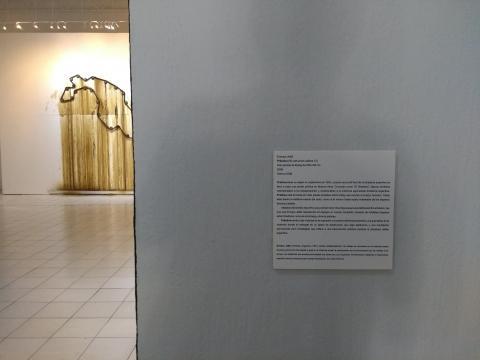 Machinarius del 2008 remata al fondo de la sala haciendo presente a Marcela Armas.