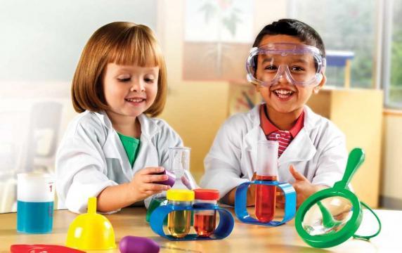Es necesario impulsar en los niños un espíritu crítico con todo lo ... - juanjogabina.com