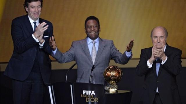 Neymar ressemble plus à Messi qu'à Ronaldo selon Pelé