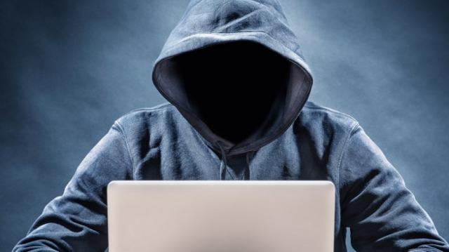 WhatsApp, dopo il pallino nero arriva la minaccia 'killer'