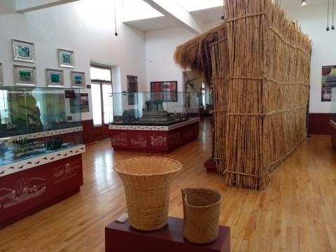 El Museo de la Agricultura en la planta alta, nos transmite el tema de la tierra a la antigüita.