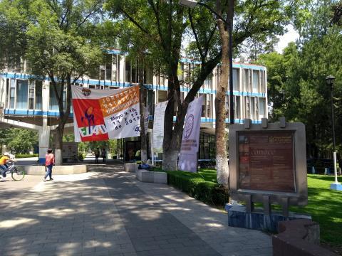 La entrada principal de la Universidad de Chapingo a breves kms de Texcoco.