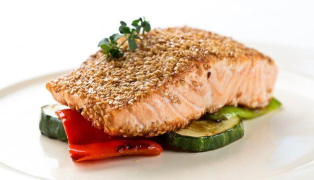 Salmón Noruego fresco con sésamo y verduras a la plancha | - mardenoruega.es