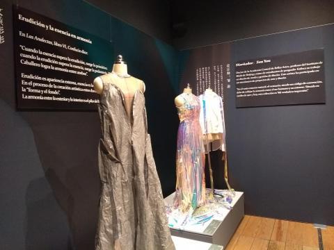 Con un pueblo de cientos de millones, la vestimenta supone inagotable fuente de inspiración.
