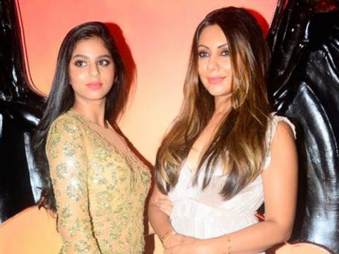 Khan ecstatic as daughter Suhana Khan bags a magazine photoshoot -(Image via Zoom Tv)